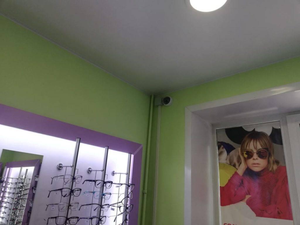 Видеонаблюдение в салон оптики